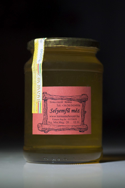 méz, Selyemfű méz, termelői méz, méz Pécs, méhészet, méhészet Pécs
